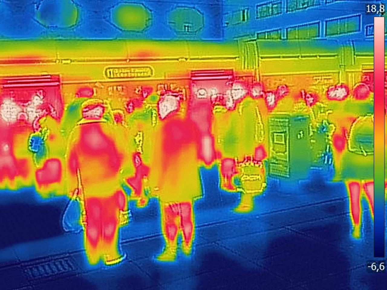 Ma már a hőtérképpel vizsgálódó biztonsági kamerák is képesek lehetnek betegségek kiszűrésére.