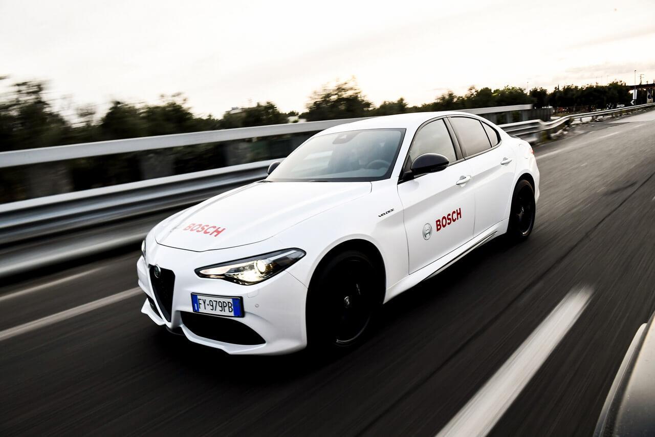 A második szint ma már minden járműkategóriában elérhető, a Bosch pedig komplett rendszert szállít ehhez