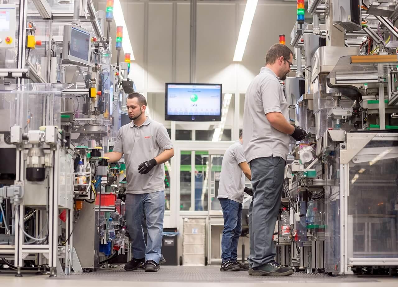 A Bosch stuttgarti gyárában a hálózatba kapcsolt technológia