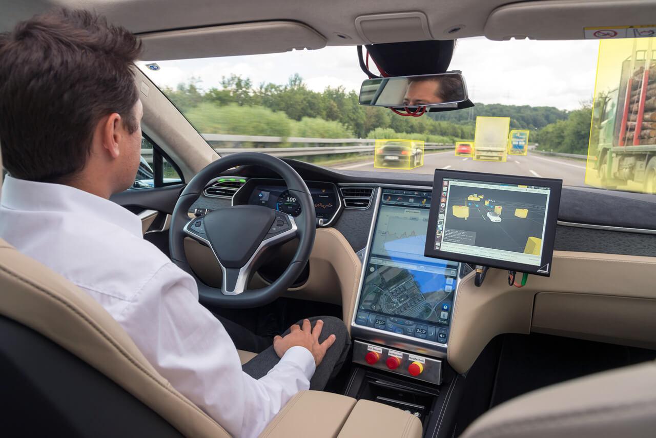 Az elektromos és önvezető autók fejlesztéséhez és gyártásához más jellegű kompetencia szükséges a beszállítóktól és az autógyáraktól is