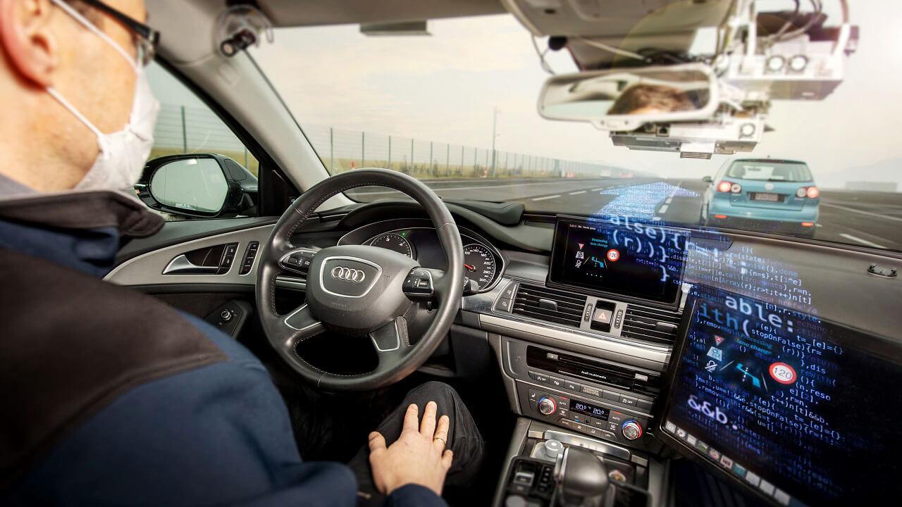 Ezzel a módszerrel eddig egyáltalán nem tanítottak szakembereink önvezető autókat, de úgy tűnik hatásos és szükség is lesz rá